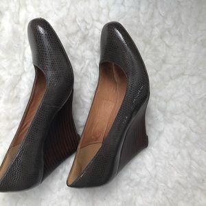 Clarks Brown Snakeskin Wedges Round Toe Heels